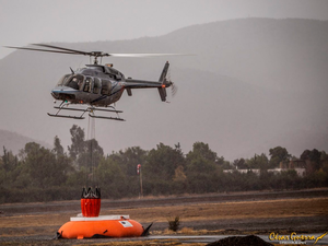 AeroMAX supplied a Bell 407 to demonstrate the Bambi MAX Bucket during an aerial firefighting system information session hosted by SEI and Eagle Copters South America. Cesar Guerra Photo